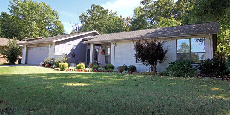 3235 N Warwick Dr, Fayetteville
