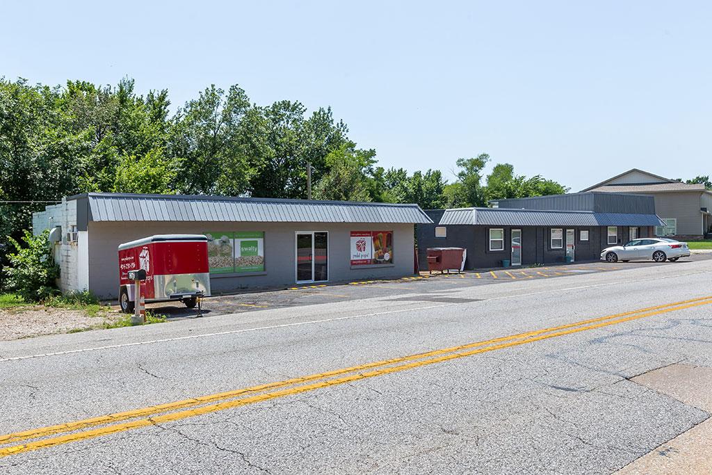 649/657 E Huntsville Rd, Fayetteville, AR