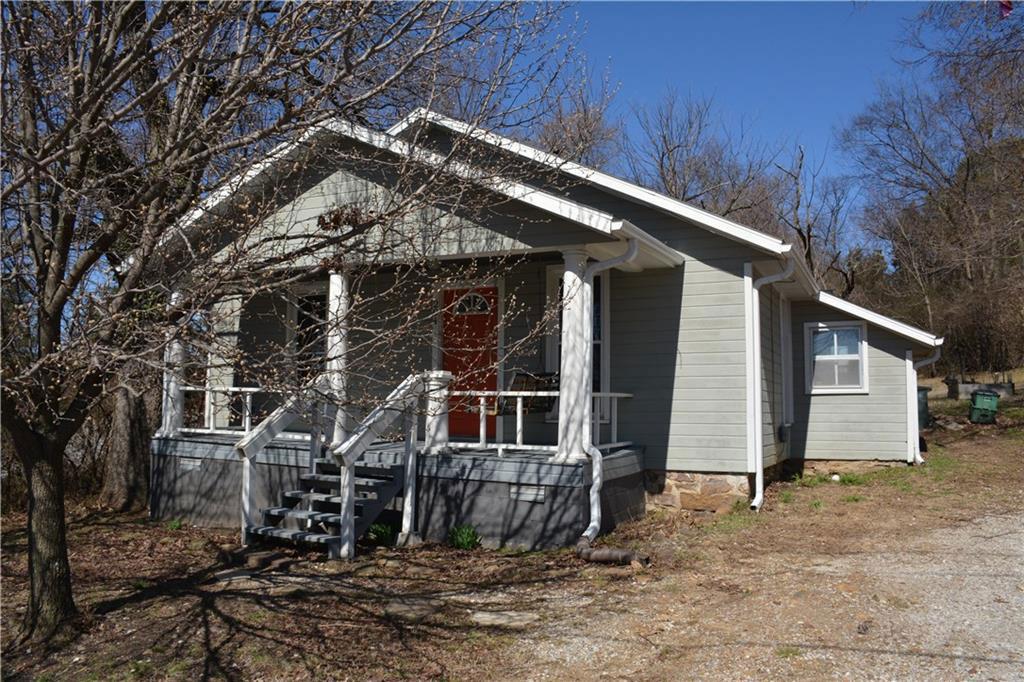 204 Baxter Ln, Fayetteville, AR 72701
