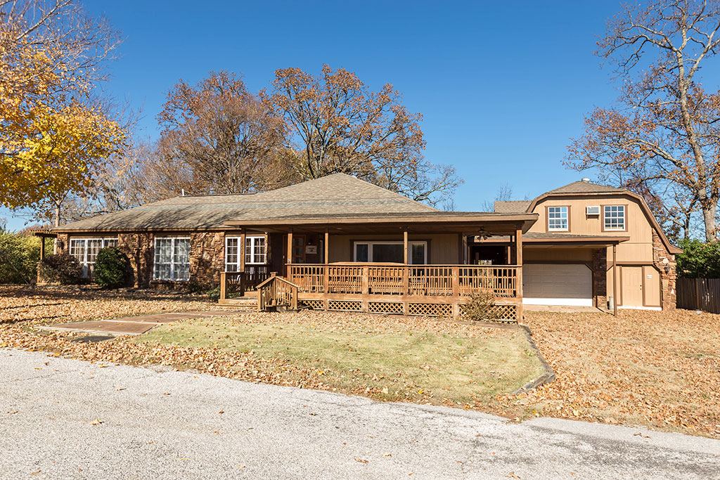 16602 Willow Dr, Rogers, AR 72756