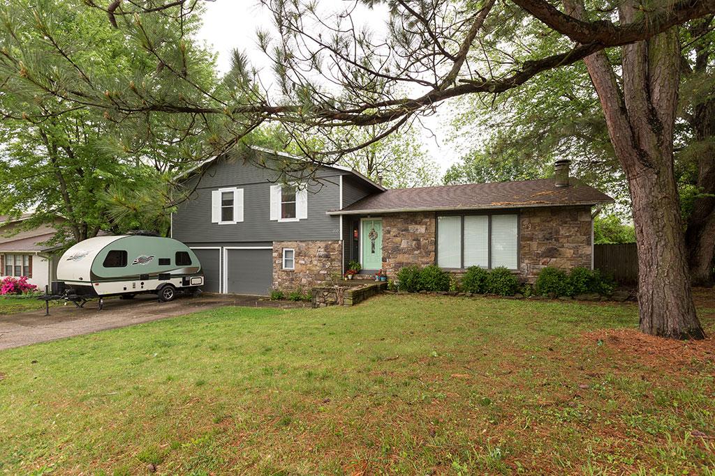 1517 E Stewart St, Fayetteville, AR 72703