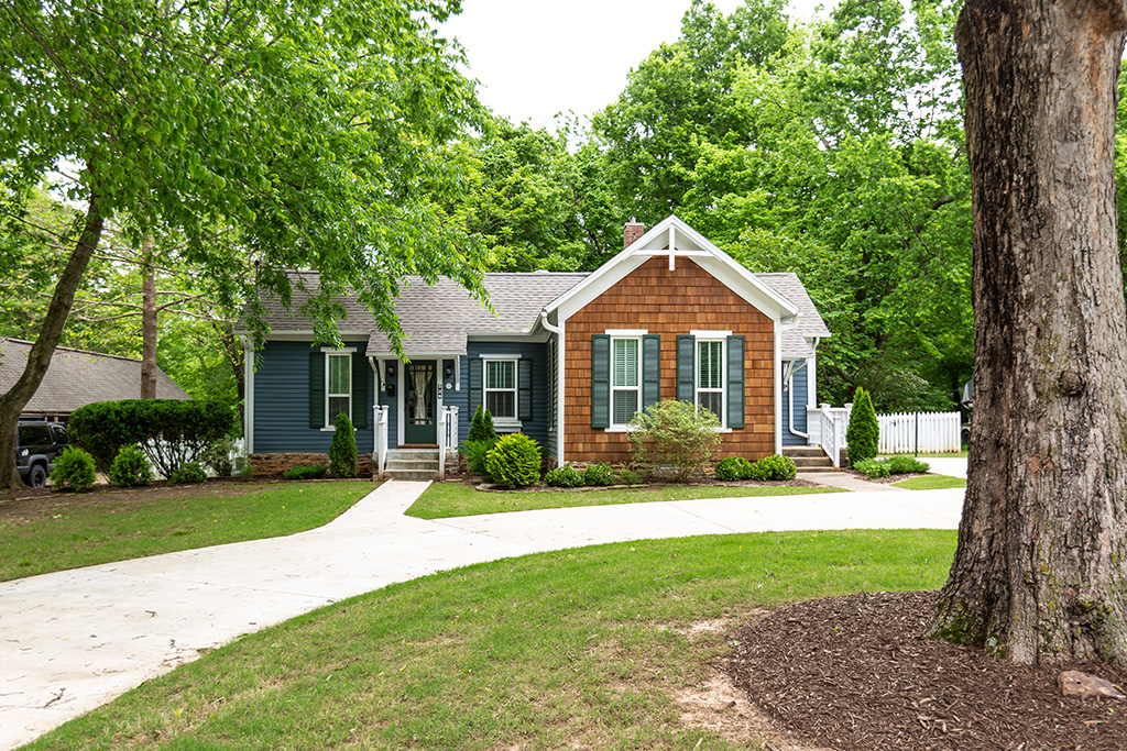 528 N Willow Ave, Fayetteville, AR 72701