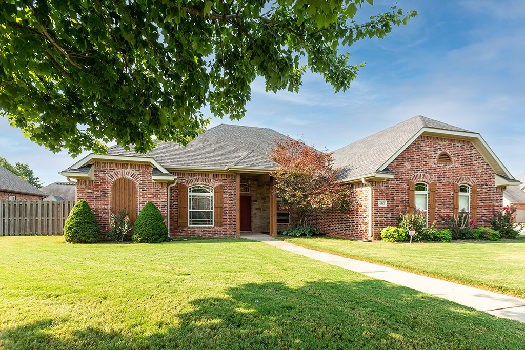 4543 W Putting Green Dr, Fayetteville, AR 72704